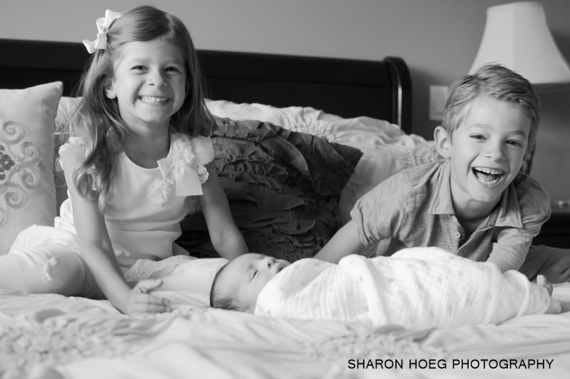 Siblings with new baby, Northville baby photographer