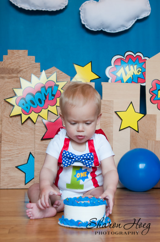 one-year-old super hero cake smash, Livonia Child Photography