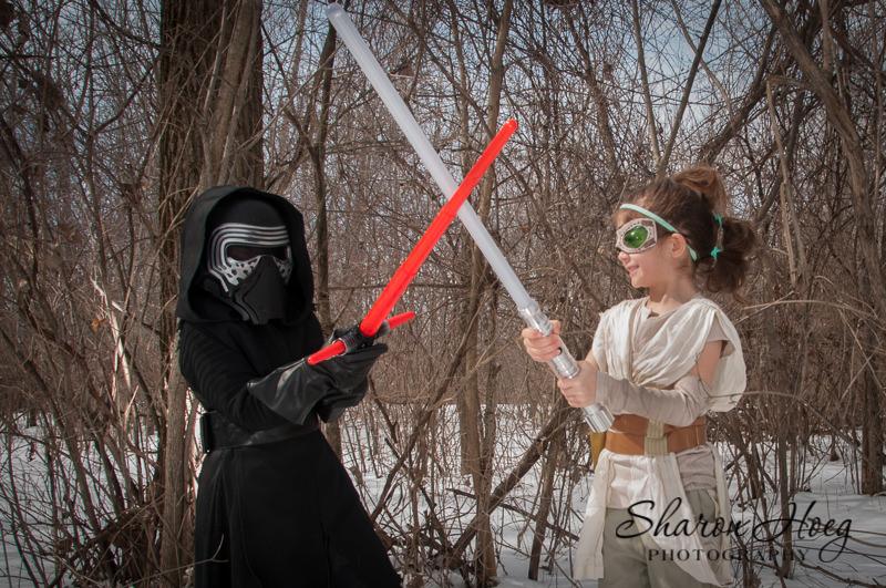 kids having a lightsaber battle, Canton Child PHotography