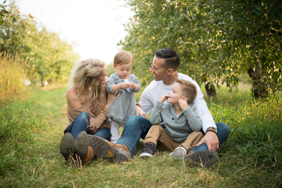 casual family of four in jeans, South Lyon Photography