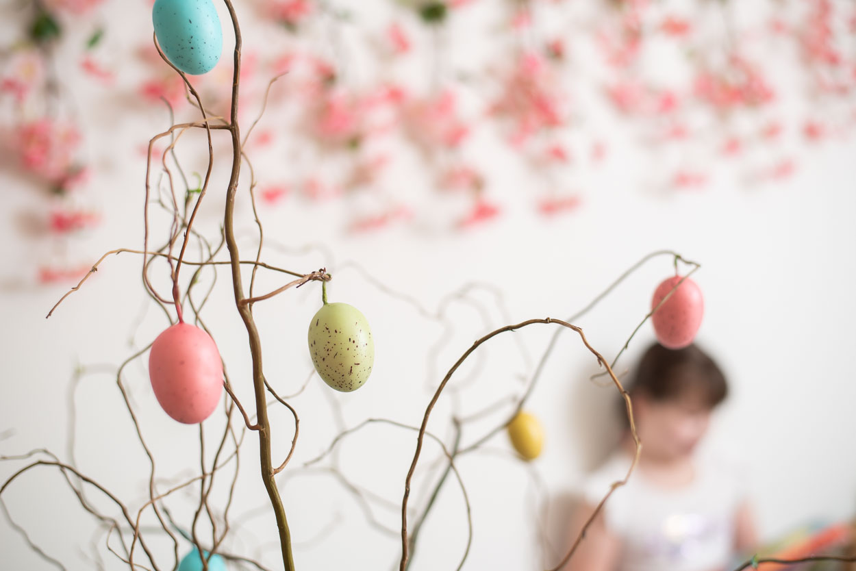 Easter Egg Tree, Northville Photographer